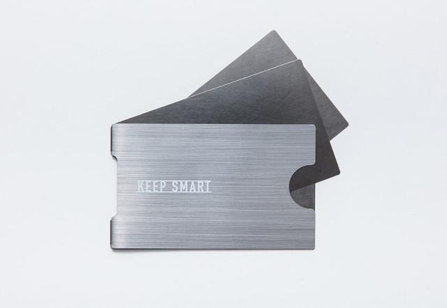 ステンレスの名刺入れなら「KEEP SMART」が便利